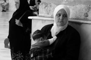 Donna con il bambino, Damasco, Siria -  Foto di Luisa Betti © 2007 - Tutti i diritti riservati