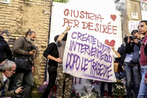Matteo Salvini a San Lorenzo in via dei Lucani dove e' stata uccisa Desirè